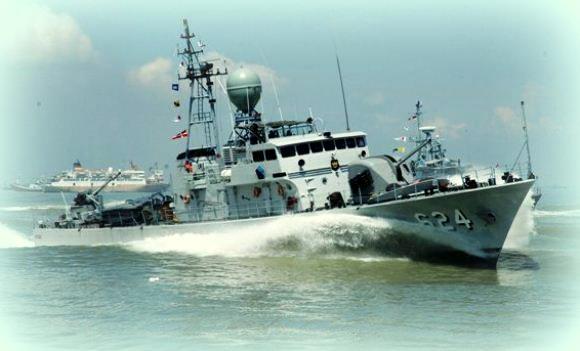 Kapal Cepat Rudal KRI Keris-624