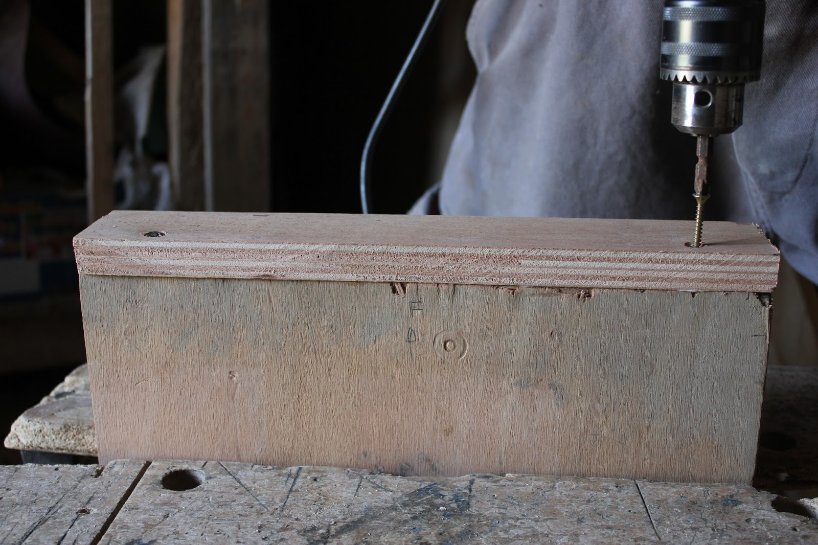 Stops for crosscut saw table