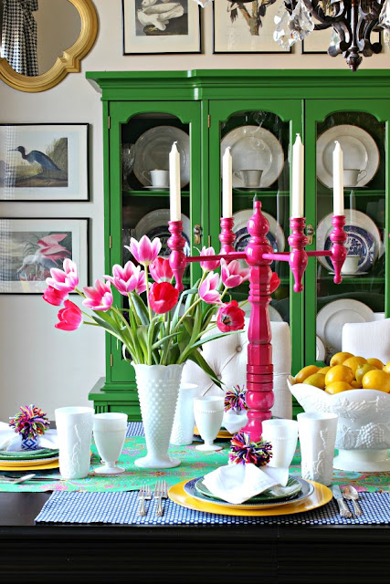 Green and pink spring tablescape ideas