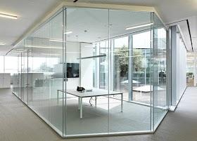 Cửa kính cường lực cho kiến trúc nội thất hiện đại