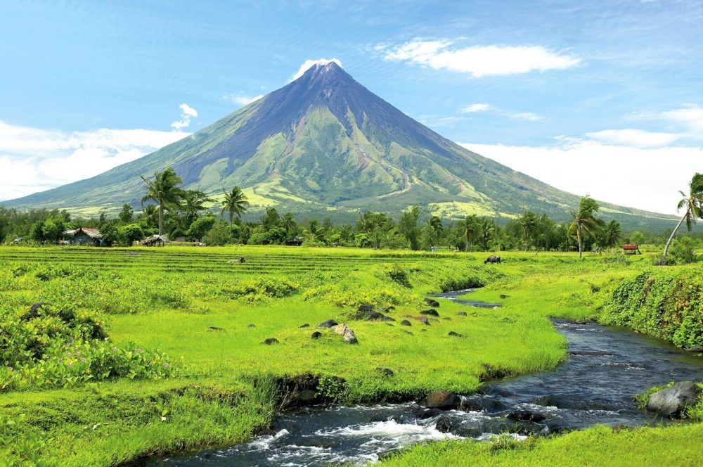 Mount Mayon Luzon Philippines