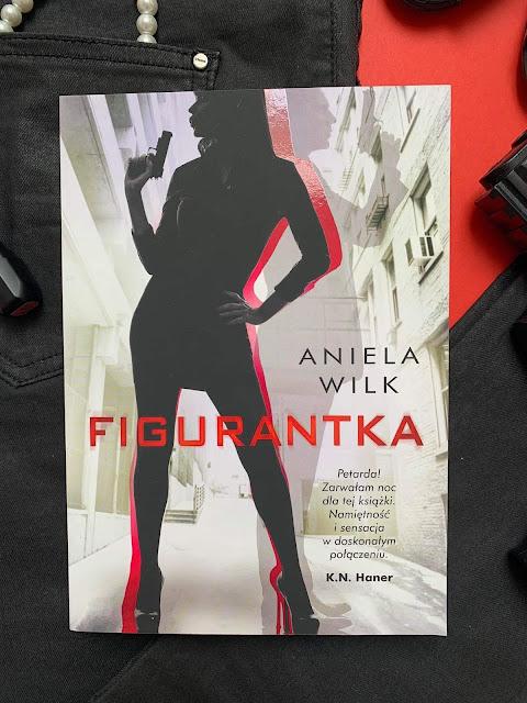 """""""Figurantka"""" Aniela Wilk"""