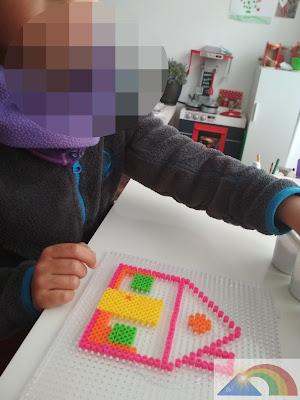 Casa hecha con hama beads