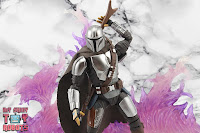 S.H. Figuarts The Mandalorian (Beskar Armor) 26
