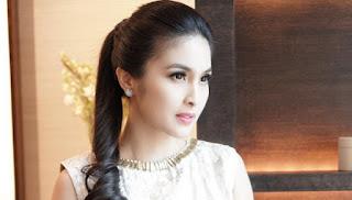 Cerita Sandra Dewi Sang Suami Ungkapkan Cintanya