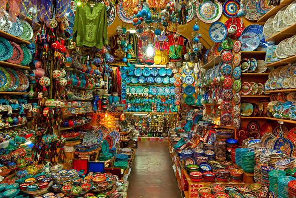 Du lịch Châu Âu đến phiên chợ sắc màu Grand Bazaar