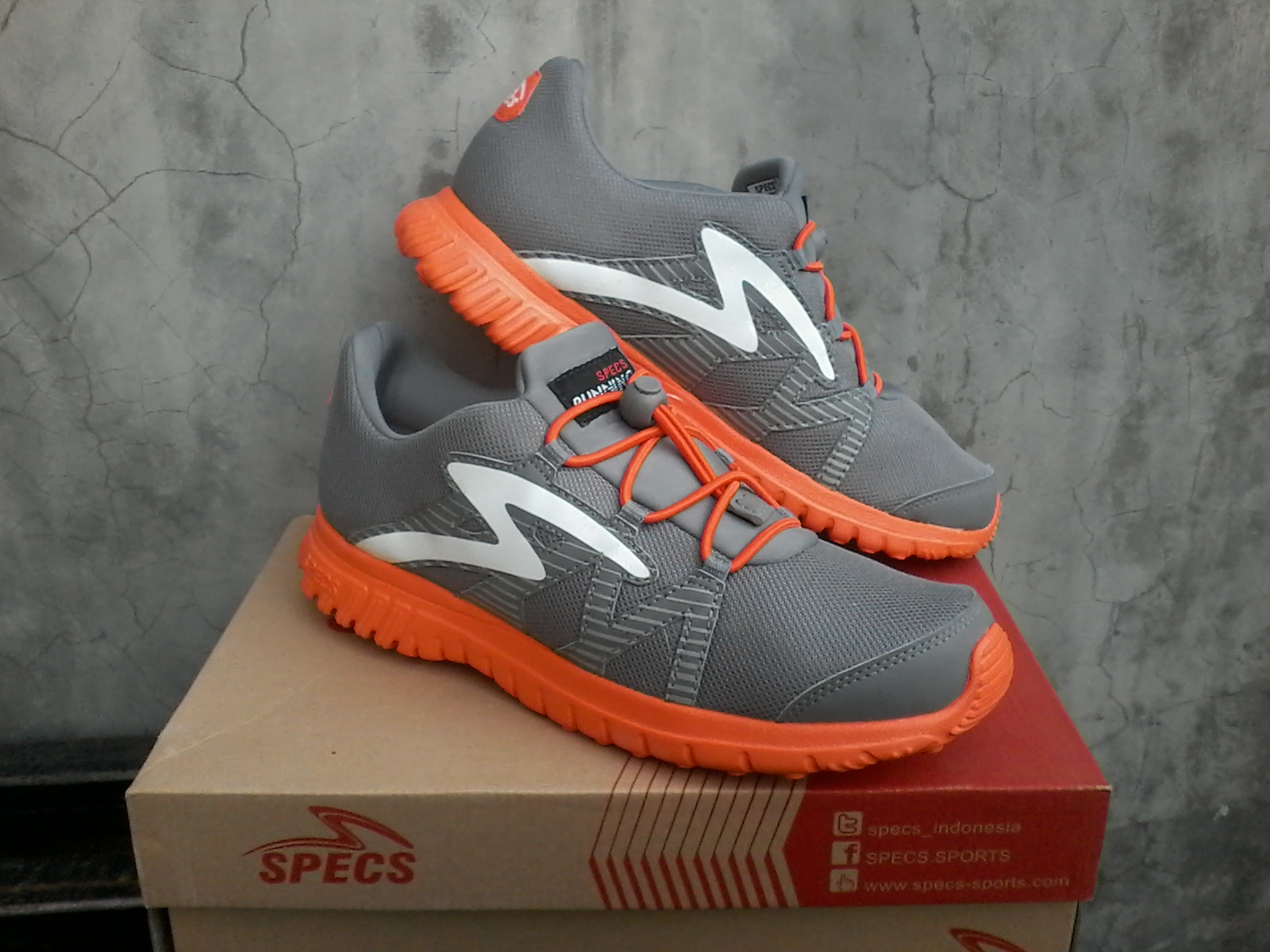Jenis Sepatu   Sepatu Sporty Running Gym Seri   AUR Grey Ready Stock Size    39 a180df7656