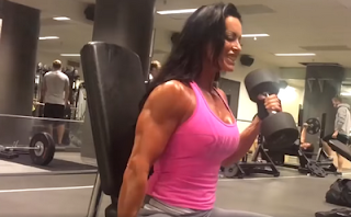 Adriana Kuhl (boobs muscle bodybuilding female fitness)