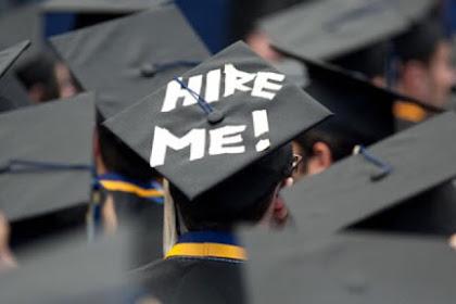 Kamu Seorang Fresh Graduate? Coba Lamar Pekerjaan Disini!