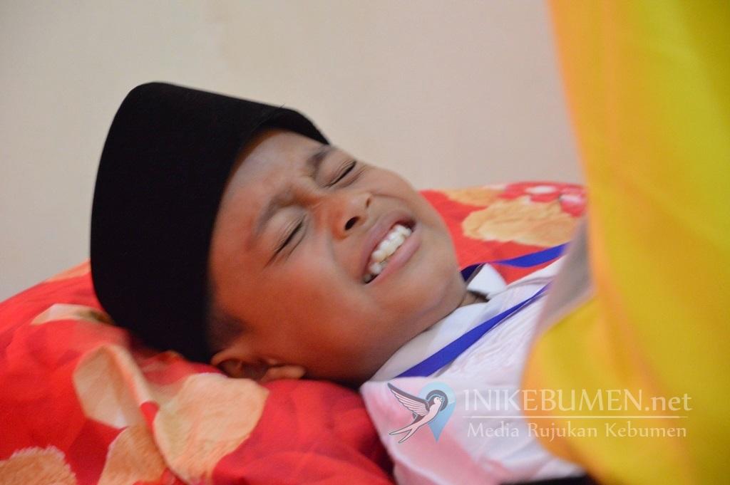 Sisihkan Keuntungan, Paguyuban Penyalur BPNT Kecamatan Kebumen Gelar Sunatan Massal