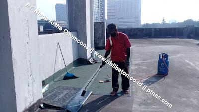 Pengaplikasian Waterproofing Membrane Bakar