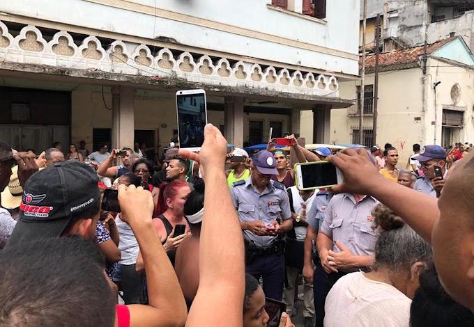 Cubanos protestan porque no hay materiales para construir balsas