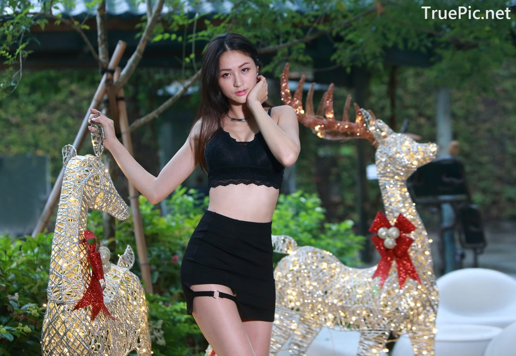 Image-Taiwanese-Beautiful-Long-Legs-Girl-雪岑Lola-Black-Sexy-Short-Pants-and-Crop-Top-Outfit-TruePic.net- Picture-65