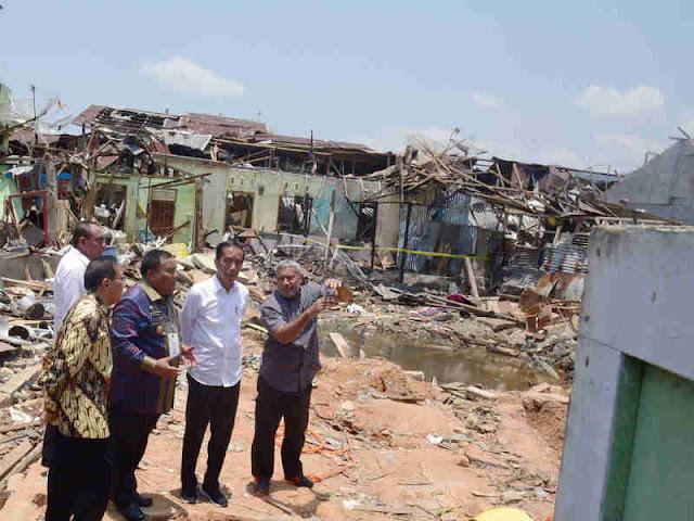 Jokowi Kunjungi Lokasi Ledakan Bom Bunuh Diri di Sibolga