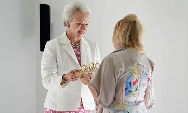 Princess Benedikte presented the Alsace Foundation's 2021 Research Award to the Australian professor Iona Novak