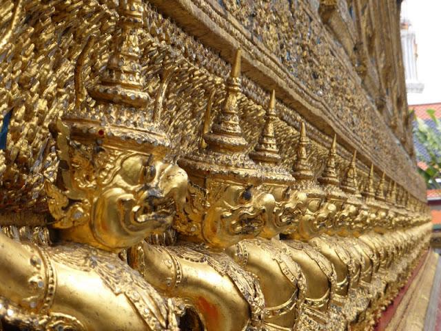 Garudas en el Templo del Buda Esmeralda