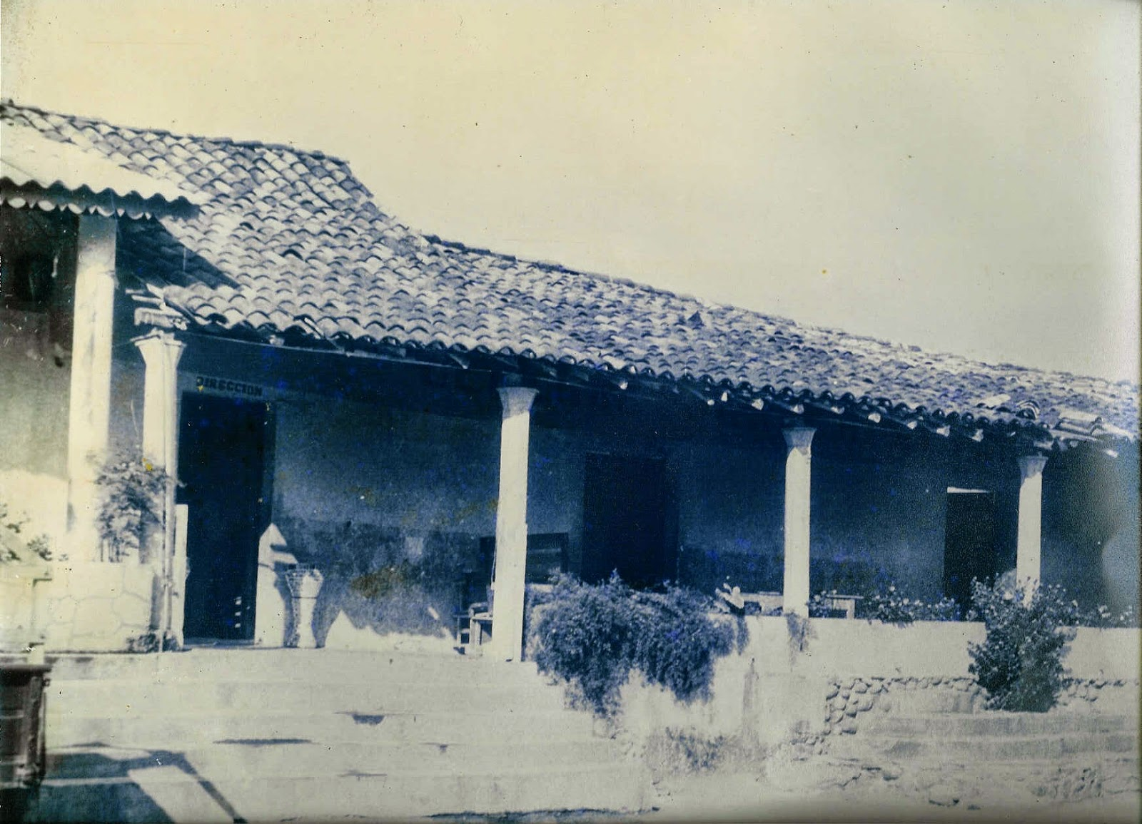 Vista de una antigua casa cerca del río Atoyac