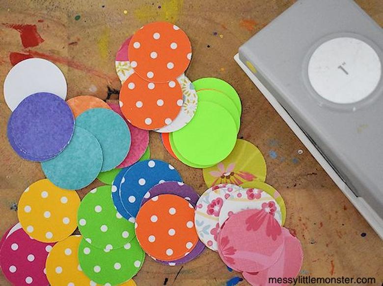Make circles for bird craft