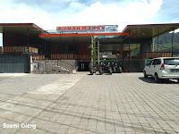 Foto Area Parkir Restoran Dieng Luas