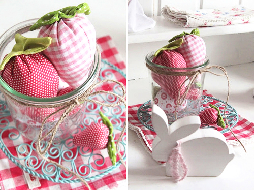 Rosa Rot Shabby Chic Kitchen | Crochet Pot Holders and Greengate DK