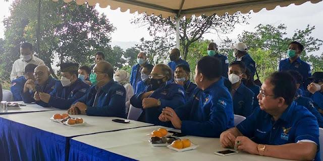 Anggota Demokrat KLB Dikabarkan Tersambar Petir, AA: Lain Kali Konpers Jangan di Tempat Terbuka