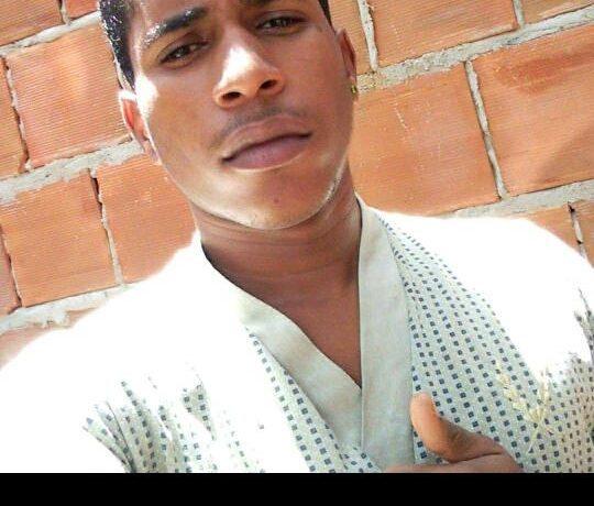 Adolescente é morto e duas pessoas ficam feridas por balas em Itaquitinga