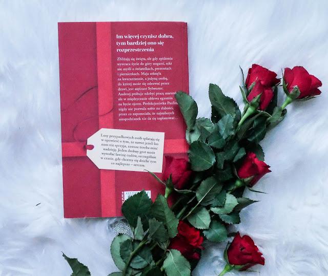 """Opis książki """"Dorzuć mnie do prezentu"""" Agnieszka Błażyńska"""