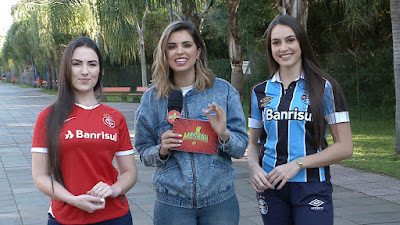 Mônica com musas de Inter e Grêmio - Divulgação
