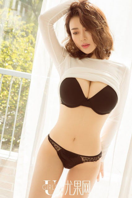 Hot and sexy big boobs photos of beautiful busty asian hottie chick Chinese booty model Ai Fei Er photo highlights on Pinays Finest sexy nude photo collection site.