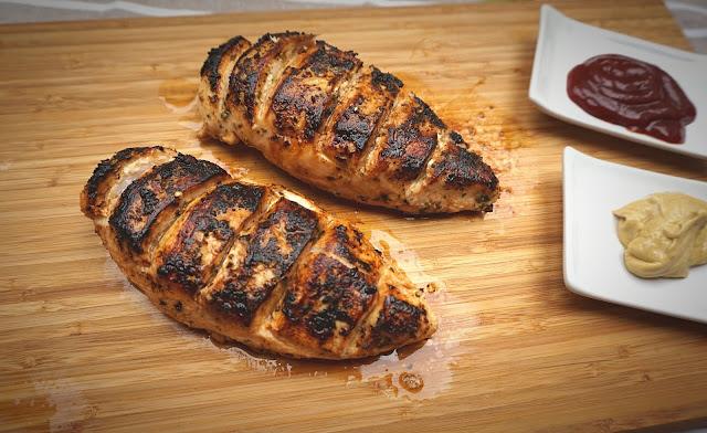 Pechugas de pollo marinadas.