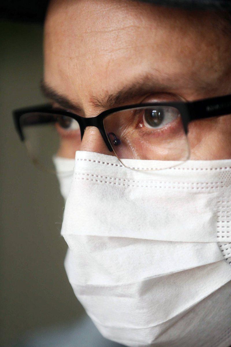 Cinco formas de usar mascarilla sin empañar los lentes