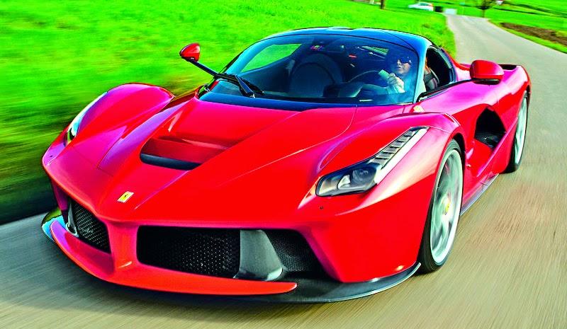 Wallpaper Mobil Ferrari Sport: Koleksi Foto Dan Gambar Mobil Sport Ferrari LaFerrari