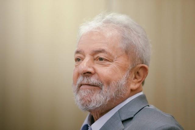 STF suspende transferência de Lula para presídio em SP e o mantém em Curitiba
