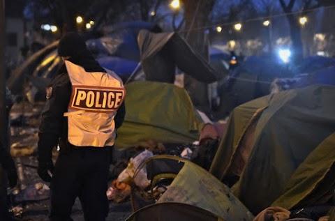 Az utolsó migránstábort is ledózerolták Párizsban