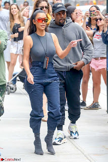 Kim+Kardashian+hard+nipples+visible+form+Tight+T-Shirt+Nipple+Pokies+Tits+huge+%7E+CelebsNext.xyz+Exclusive+Celebrity+Pics+010.jpg
