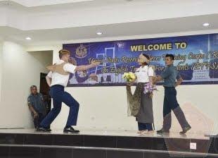 Seni Drama Gatot Kaca Mengakhiri Kegiatan Pelatihan Bersama Mahasiswa STTAL dan Kadet US Army