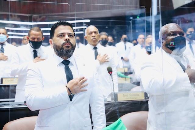 """Diputado Leonardo Aguilera: """"Por fin un gobierno toma en cuenta la provincia de Santiago"""""""