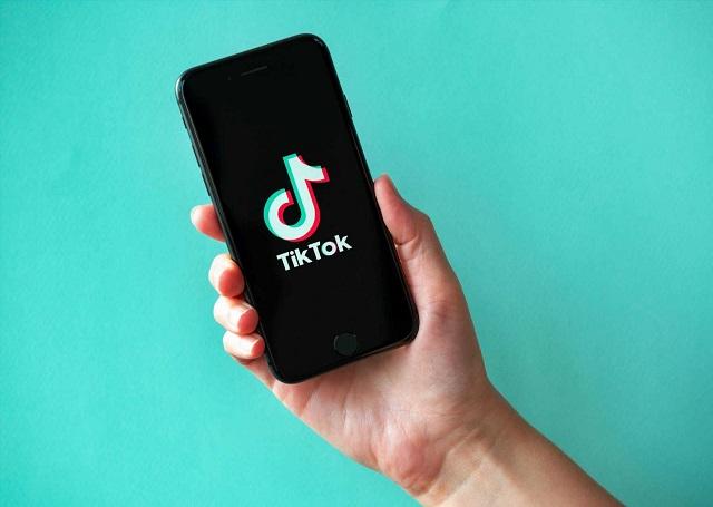 بعد تجنبه الحظر.. تيك توك يتصدر قائمة التطبيقات الأكثر تنزيلاً في الولايات المتحدة