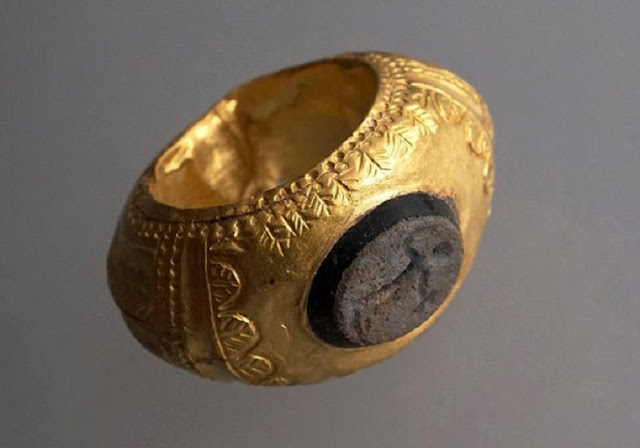 1,600 year old gold ring found in Switzerland's Pratteln region