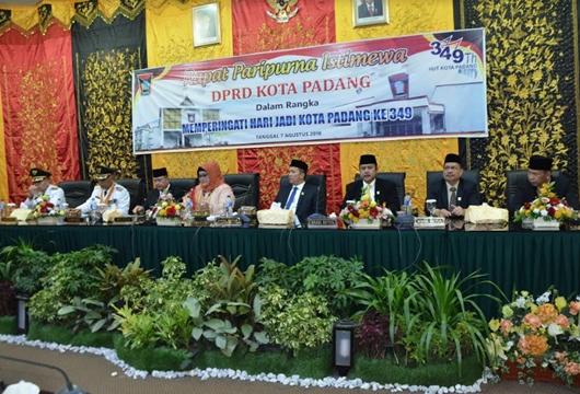 Rapat Paripurna HUT ke-349 Kota Padang, DPRD Apresiasi Keberhasilan Pembangunan yang Dilakukan Pemko