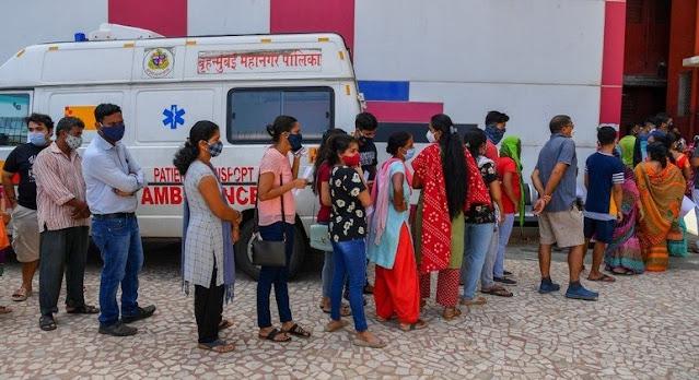 Mais de 4 mil indianos recebem água do mar no lugar de vacinas