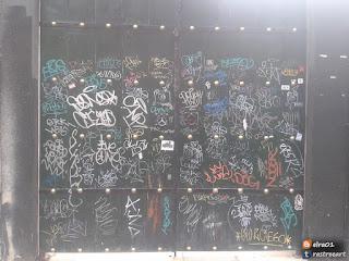 tags graffiti en el mos