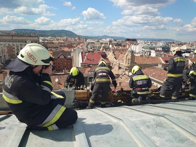 Kisebb tűz volt az Operaház tetején