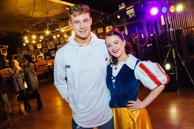 Scotty-T-Snow-White-pantomime-Leeds