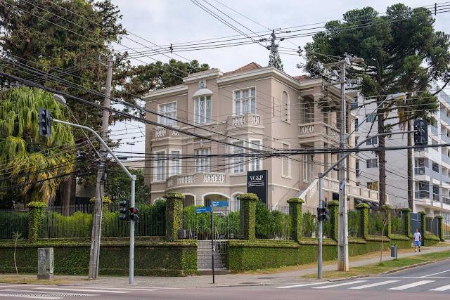 Casarão na Rua Mateus Leme, construído em 1895