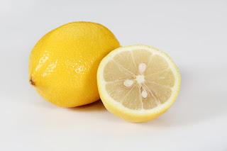 Jeruk Lemon - cara menghilangkan jerawat