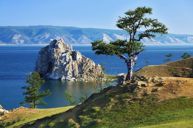 Things You Need To Know About The Deepest Lake In The World