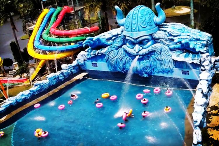 """The Wave Water Park Pondok Indah"""