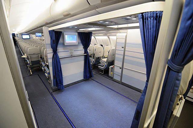 jom-lihat-ruang-solat-yang-begitu-selesa-di-atas-kapal-terbang-saudi-airline-3
