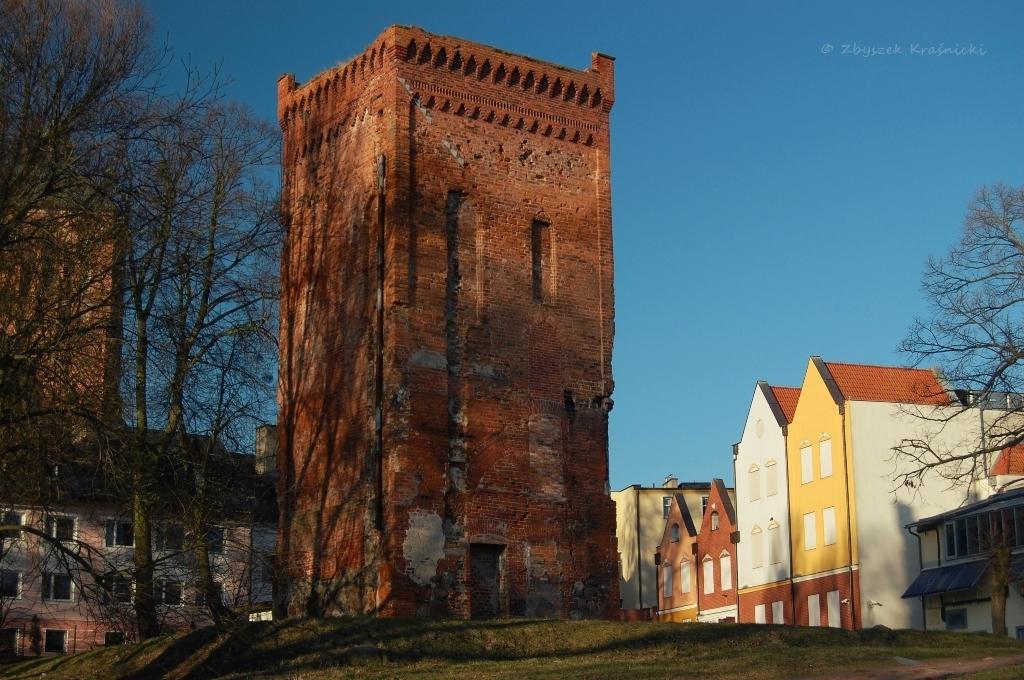 Najstarszy obiekt na Warmii | Wieża bramna w Braniewie